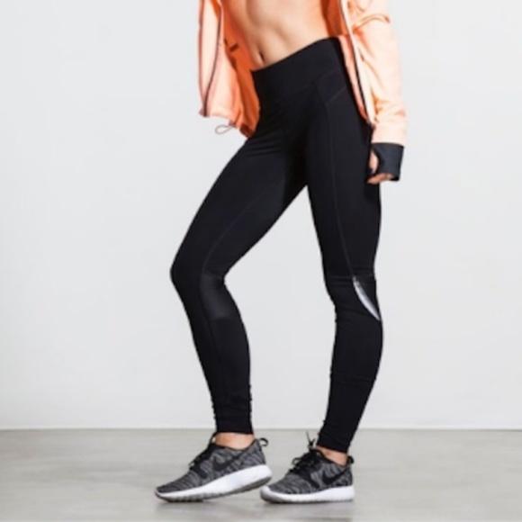 f78176b334ef44 Sweaty Betty Pants   Zero Gravity Run Leggings Black   Poshmark